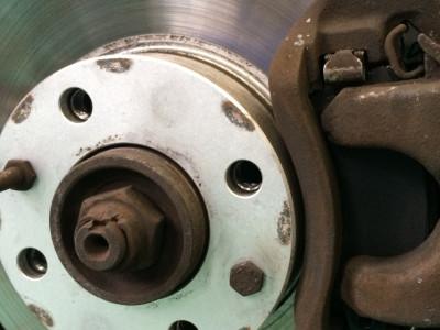【ブレーキ鳴き解消!】ガレージドッコでは鳴き止め加工やっています。
