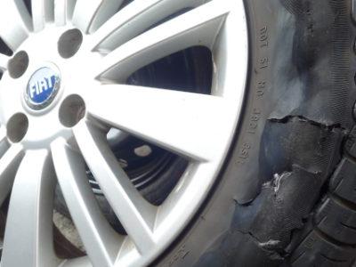 高速道路でタイヤがパンクした時のやるべき事をまとめてみました