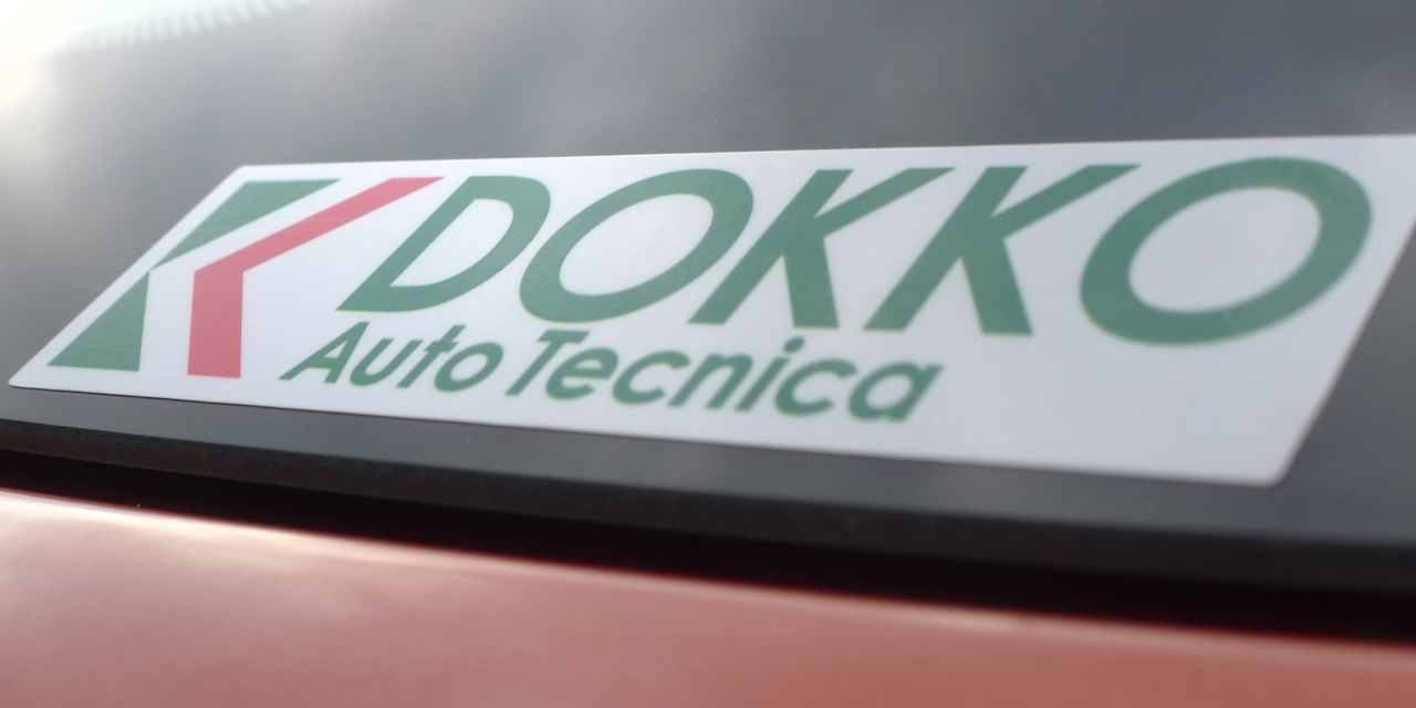 DOKKO Auto Tecnica ステッカーです